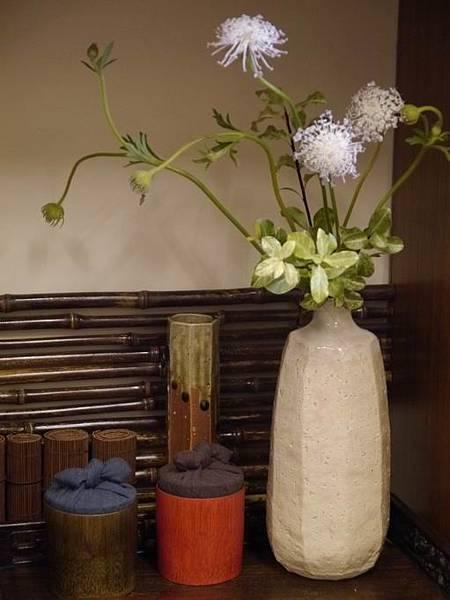 w17日本花器-5.JPG