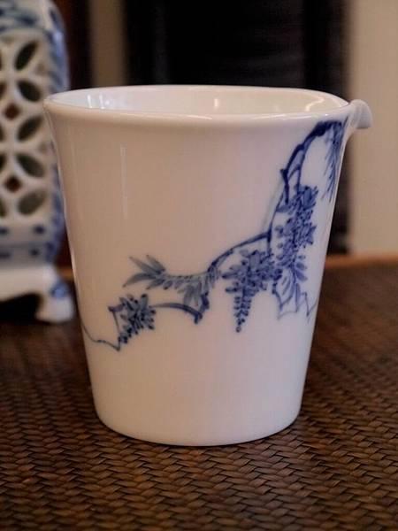 X28-1青花瓷茶盅-4.JPG