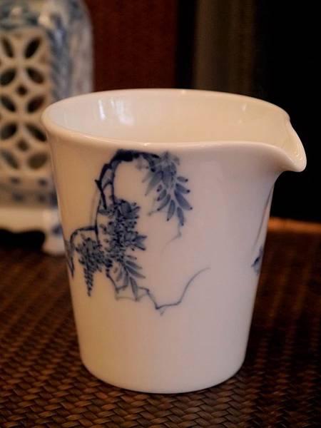 X28-1青花瓷茶盅-2.JPG