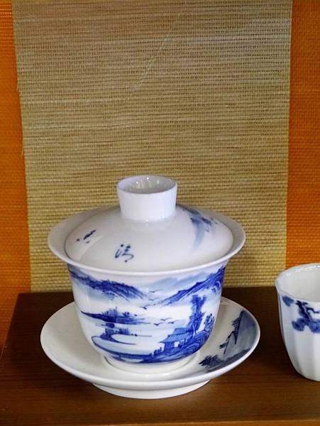 Q43青花山水蓋杯-4.JPG