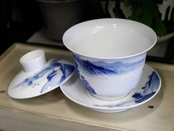 Q43青花山水蓋杯-2.JPG
