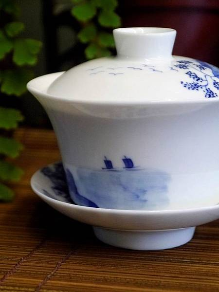 Q44青花山水蓋杯-4.JPG