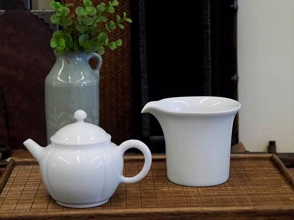 四方口小瓷茶盅-3.JPG