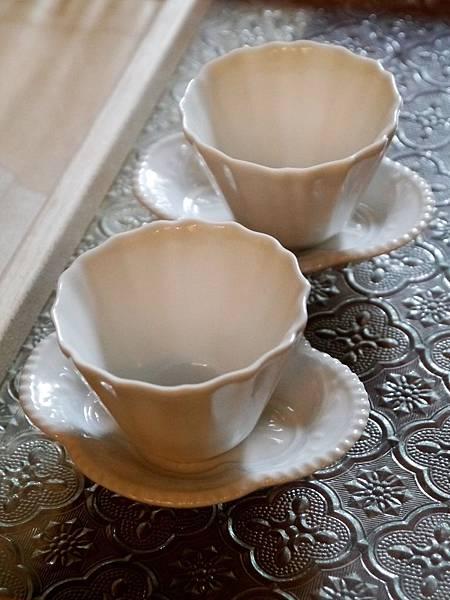 Q70寬口瓷菊辬杯-3.JPG