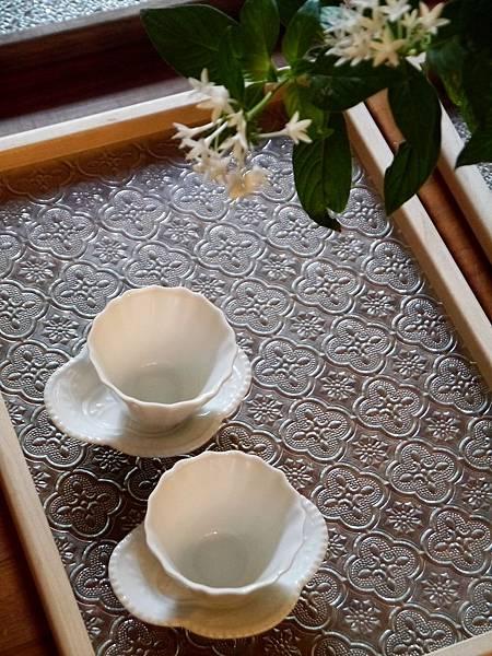 Q70寬口瓷菊辬杯-1.JPG