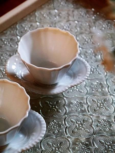 Q70寬口瓷菊辬杯-5.JPG