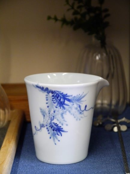 X29青花瓷茶盅-1.JPG