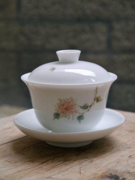 手繪線菊花紋蓋杯-1.JPG
