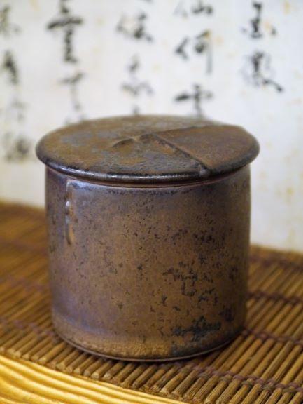A46康嘉良墨金小陶茶罐-5.JPG