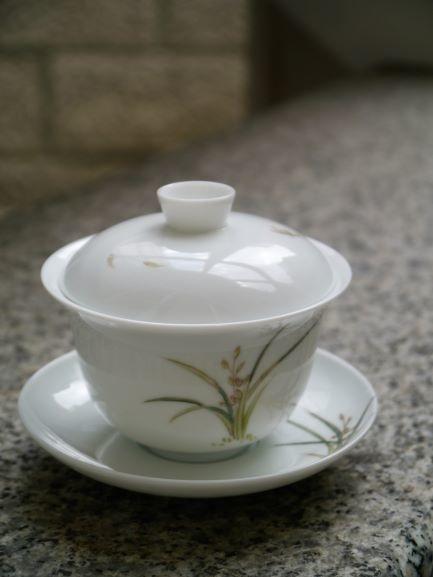 手繪蘭花紋蓋杯A-1.JPG