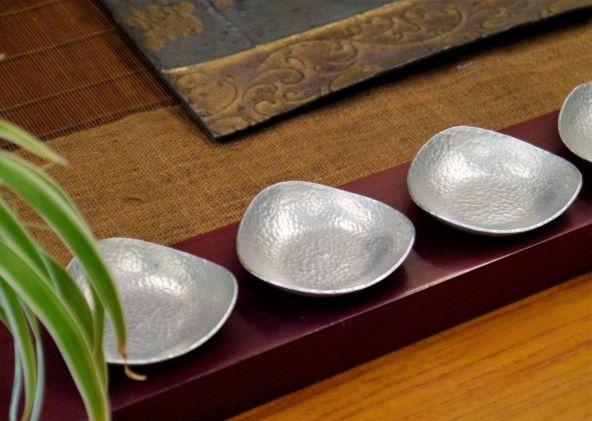 三角金屬杯托-1.JPG