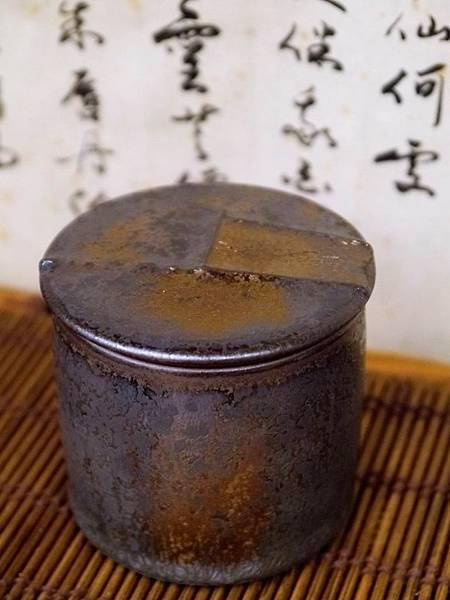 墨金茶罐A4I-1.JPG