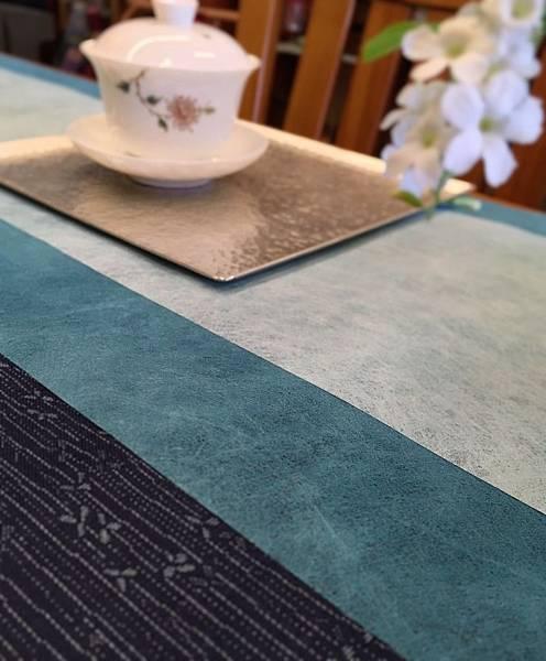 藍雙色龍雲紋茶巾組-2.jpg