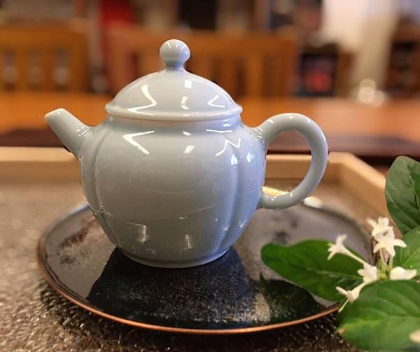 X8小瓷壺-1.jpg