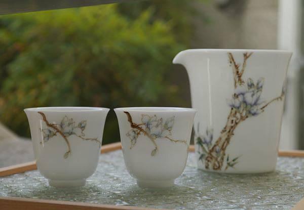X29手繪花紋茶盅-4.JPG
