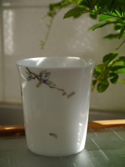 X29手繪花紋茶盅-2.JPG