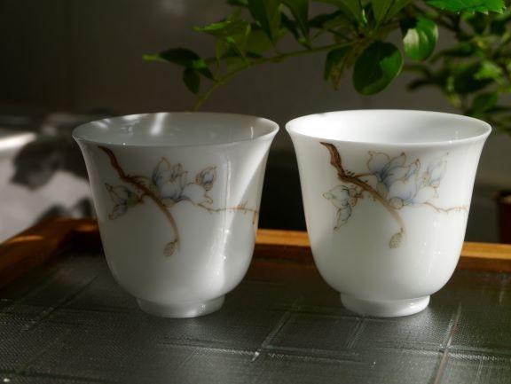 X20辛夷花手繪瓷杯-5.JPG