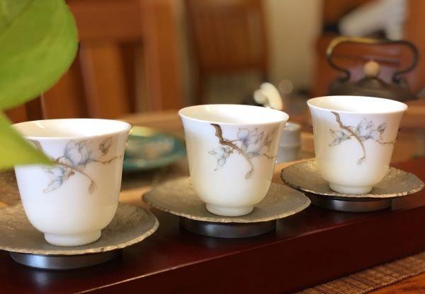 X20辛夷花手繪瓷杯-3。.jpg