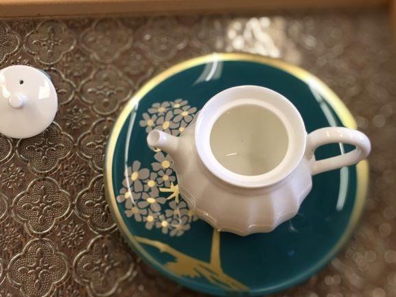花邊瓷壺-4.jpg