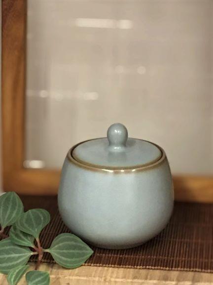 汝窯小圓茶罐-1.jpg