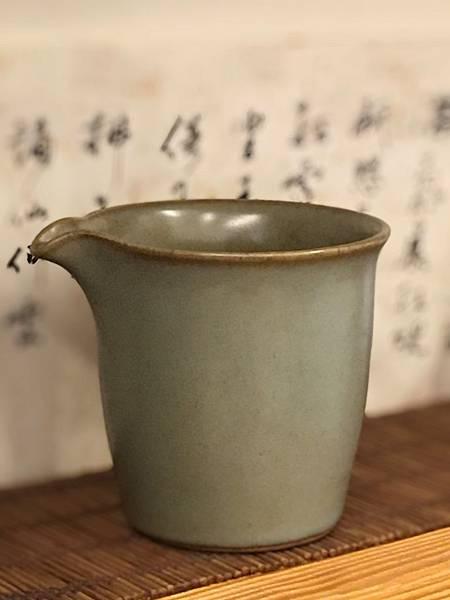 N38陶綠釉茶盅-1.jpg