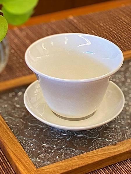 b21瓷白蓋杯-2.jpg