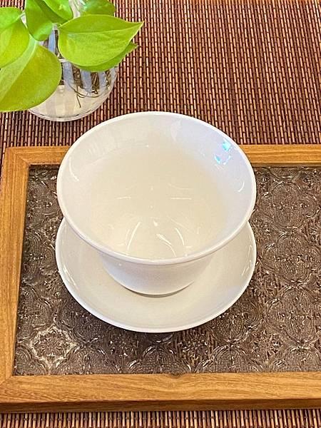 b21瓷白蓋杯-4。.jpg