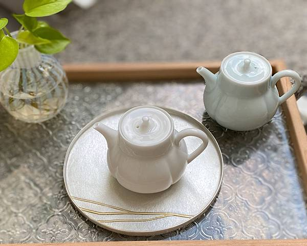 柿形瓷壺-4.jpg