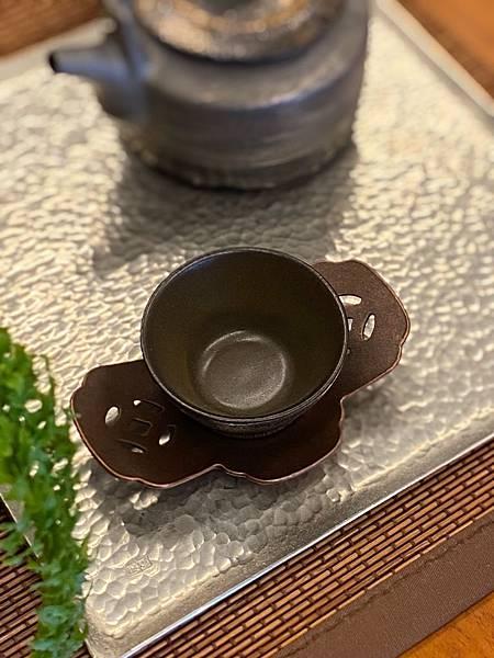 元寶紅銅杯托-2.jpg