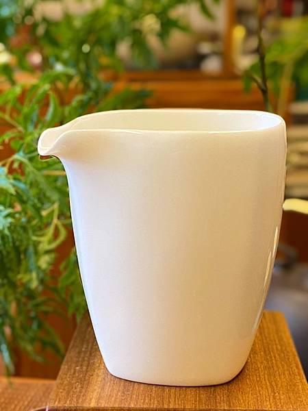 四方瓷白茶盅-1.jpg