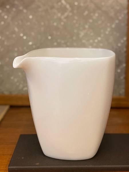 四方瓷白茶盅-4.jpg