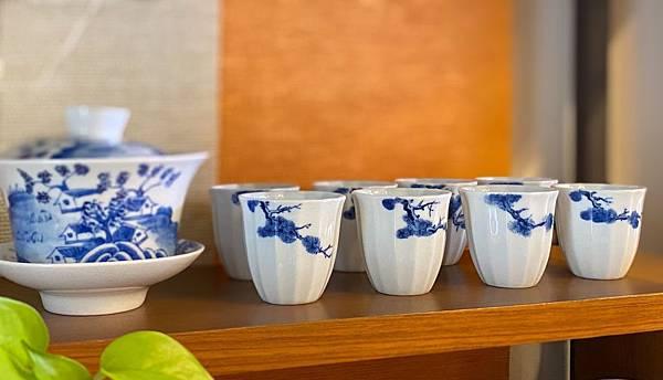 手繪松枝紋青花杯-2.jpg