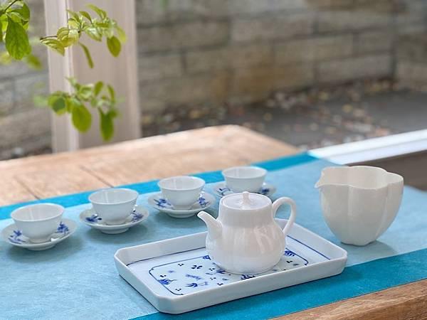 瓷白花形茶盅-2..jpg