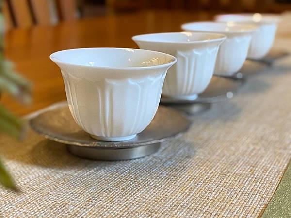 瓷白蓮花杯-4.jpg