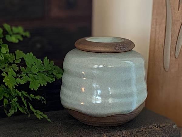 A45冰青蝕洞四兩茶罐-1.jpg