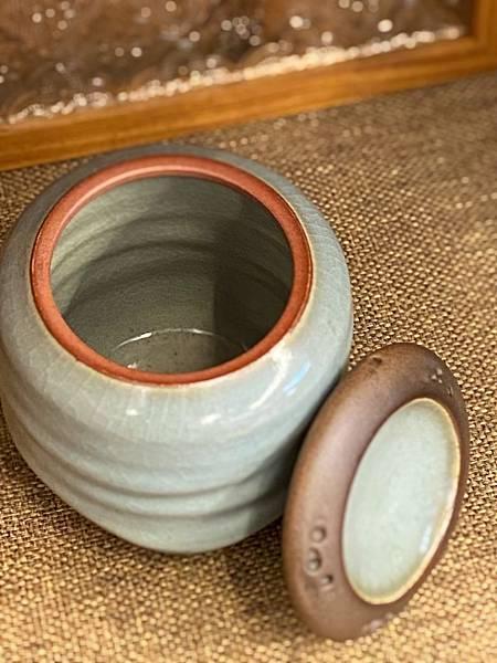A46冰青蝕洞茶罐-3.jpg