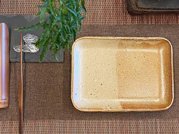 e49日本棕色陶盤-1.jpg