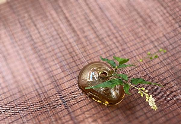 日本手工玻璃小花器-1.jpg