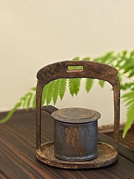 A57康嘉良墨金小茶罐-1.jpg