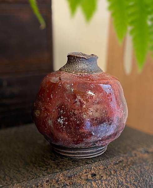 石榴紅小花器-1.jpg