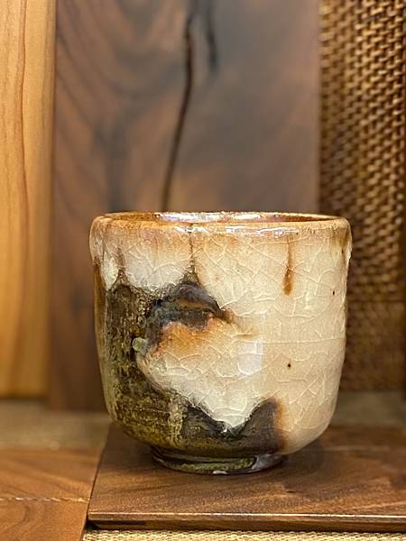 志野釉柴燒水杯-5.jpg