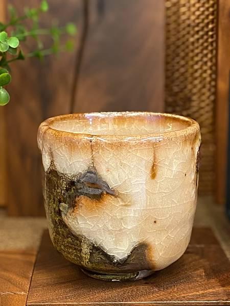 志野釉柴燒水杯-1.jpg