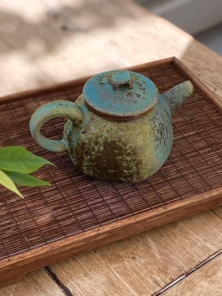 e22吳嘉倍正把茶壺-3.jpg