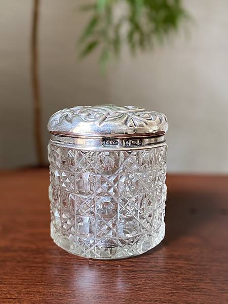 e84英國純銀蓋老玻璃瓶-1.jpg
