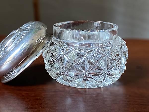 e86英國純銀蓋老玻璃瓶-3.jpg