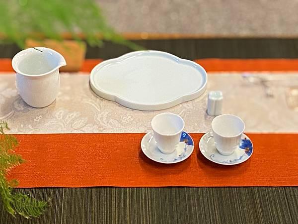 淡青花形瓷盤-4.jpg