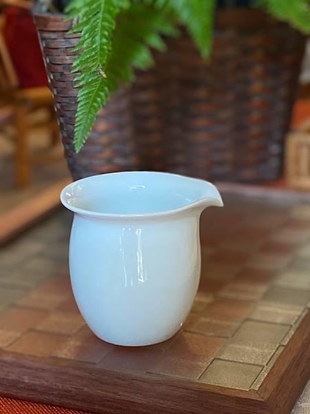 瓷白茶盅小-4.jpg