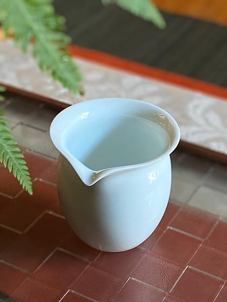 瓷白茶盅小-1.jpg