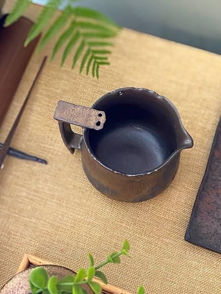 A71康嘉良墨金有把茶盅-4.jpg
