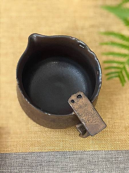 A71康嘉良墨金有把茶盅-2.jpg